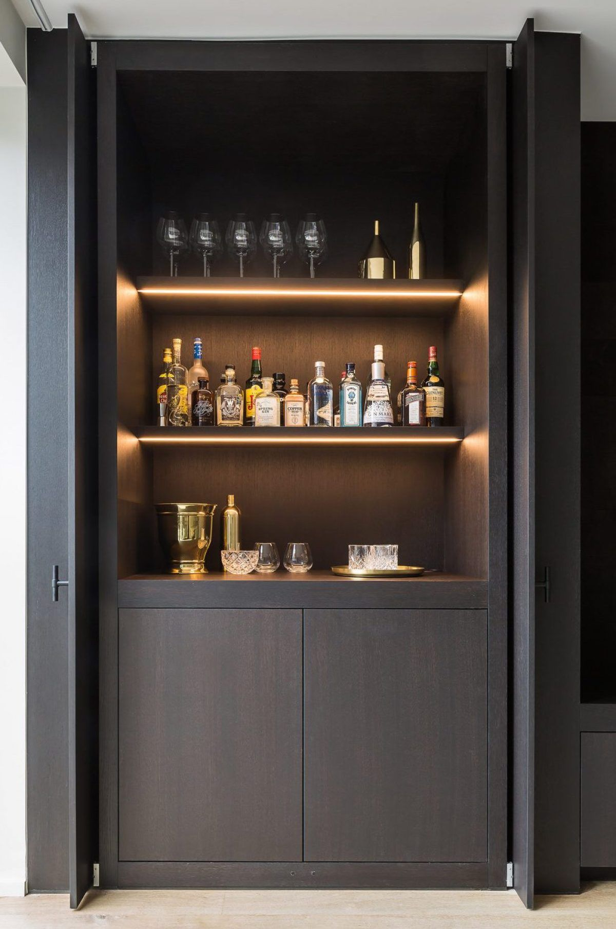 A Sophisticated Masculine Oasis Home Cocktail Bar Home Bar Designs Modern Home Bar
