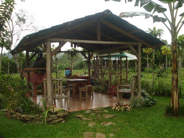 Cenador para jardin simple el fantstico jardn y una carpa cenador para acoger a unas personas - Cenadores de jardin ...