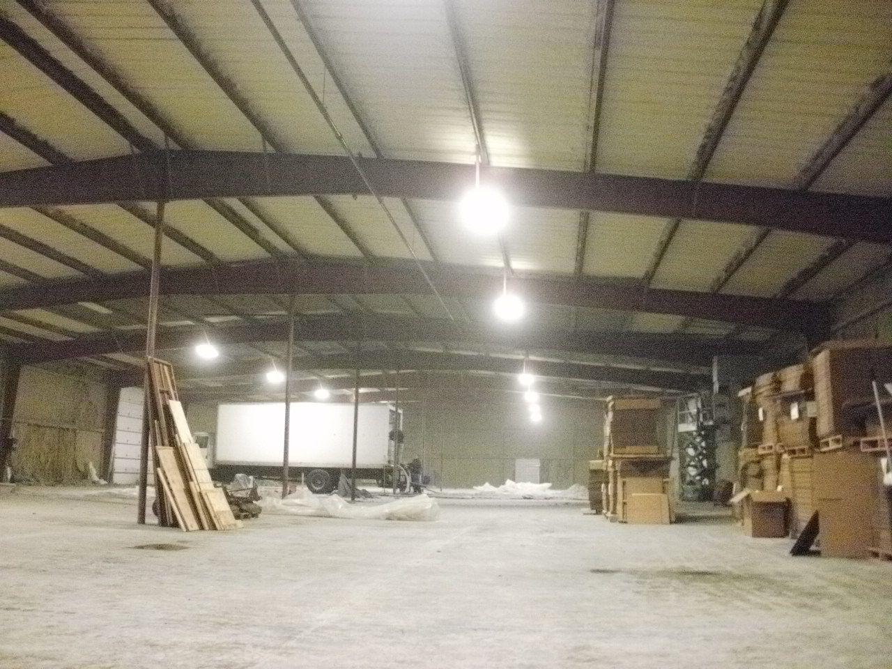 Foam Sprayed On A Warehouse Ceiling In Toledo Area Spray