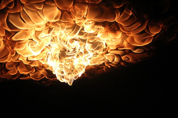 Inverted flames create an undulating effect not soon to be forgotten