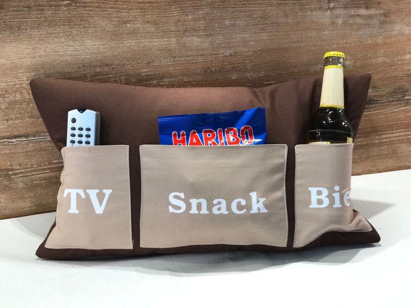geschenke f r m nner vatertagskissen tv snack bier. Black Bedroom Furniture Sets. Home Design Ideas