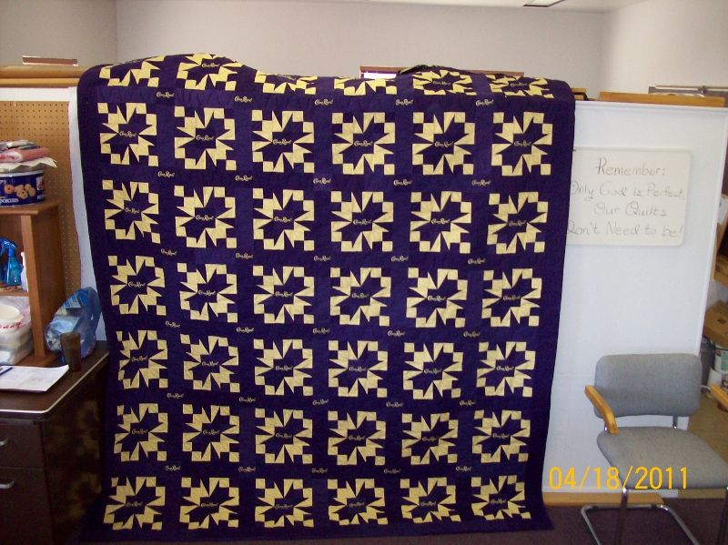 Crown Royal quilt- trying to decide if I am that ambitious ... : crown royal quilt patterns free - Adamdwight.com