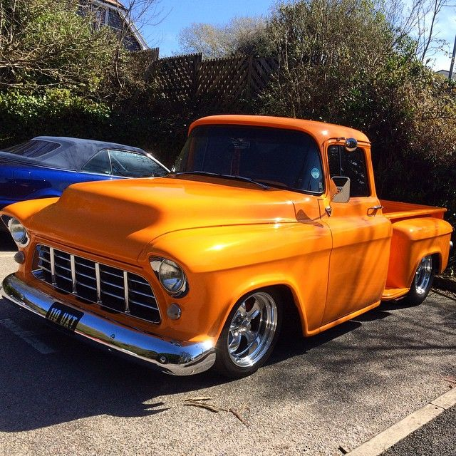 """Nice low Chevvy I spotted today #chevvytruck #fifties #needsmorelow #chevrolet #pickup #hotrod #hotrods #americantrucks #modifiedcars #modifiedtrucks…"""