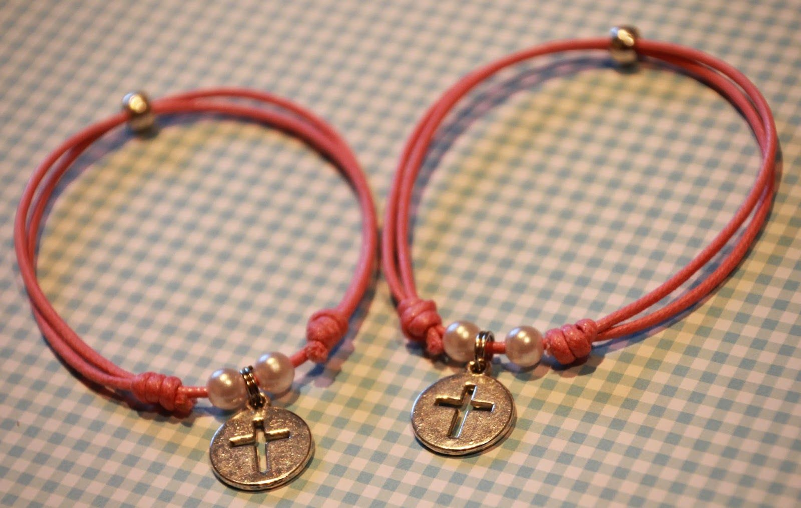 TallerdeLuna: Pulsera comunión rosa