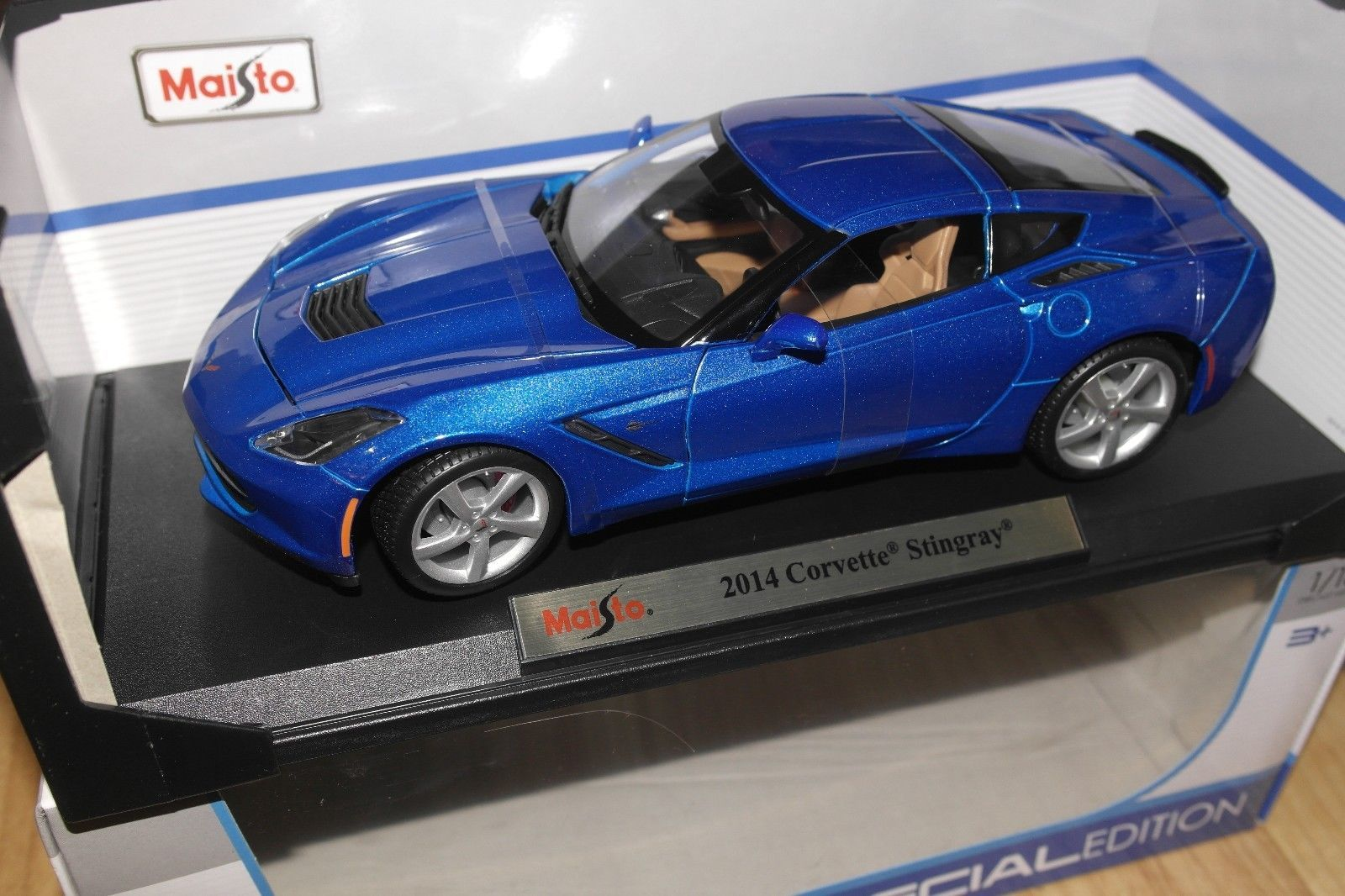 2014 chevrolet corvette blue stingray 1 18 model car by maisto 31182 ebay
