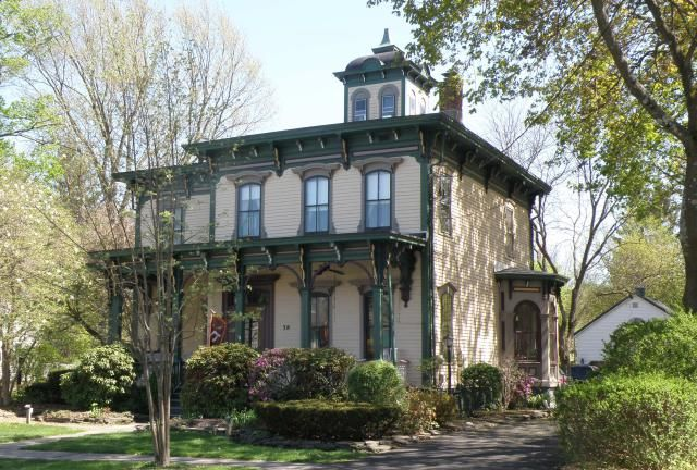 Focus On Design The Italianate House House Styles Victorian Homes Victorian Style Homes