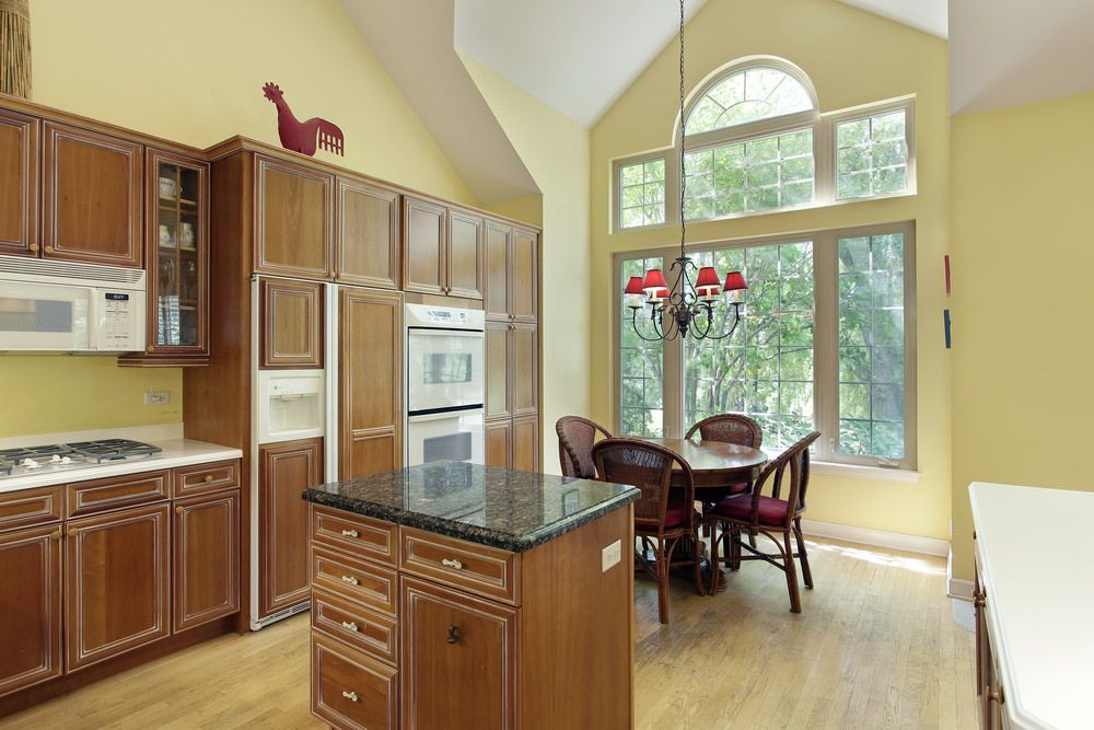 32 Kitchens with High Ceilings (Photos) Country kitchen