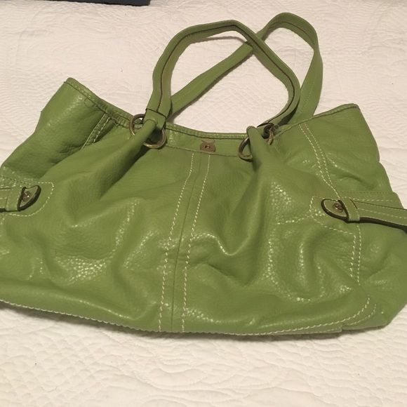 Green purse Green leather purse. Relic brand. Stains on the inside lining as shown in picture. Gold hardware. Used one season. Relic Bags