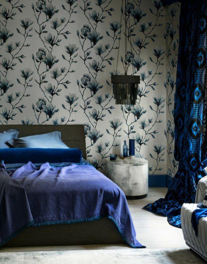 Wohnideen Schlafzimmer Wandtapete Blaue Bettwäsche Gardinen