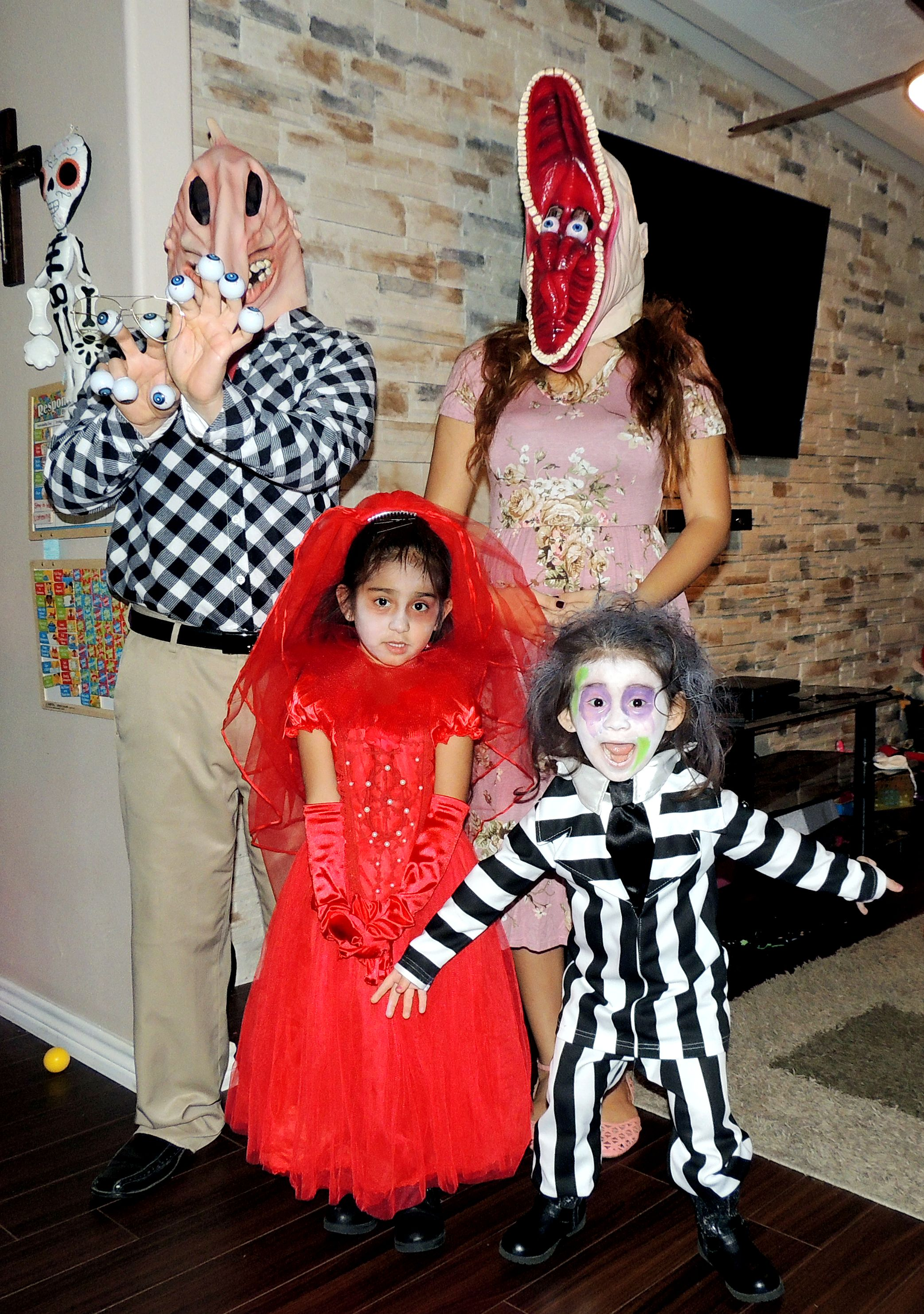 Beetlejuice Family Halloween Costume Family Halloween Costumes Halloween Costumes Family Halloween