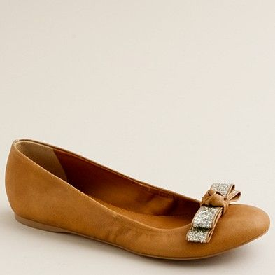 462c2ade7f4e They have these on sale at the J Crew outlet at Grapevine Mills... my  favorite part is that there is a small interior wedge so that your feet  aren t ...