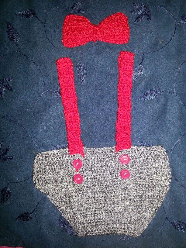 set cubre pañal y corbatin a crochet