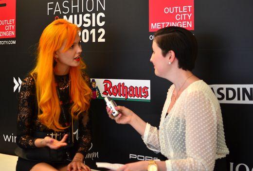 Bonnie Strange im Interview: Von Plänen als künftige Barista und dem Sturm aufs Berliner Fashion Week Zelt