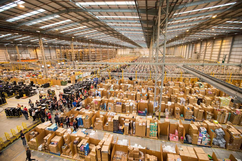 Last Year The Retailer Saw More Than 4 1 Million Items Ordered At A Rate Of Around 47 Items Per Second Amazon Fba Private Label Warehouse Amazon Fba