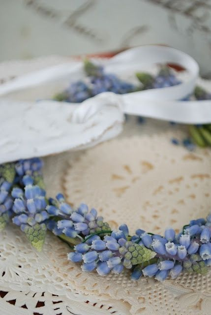Muscari circlet. For something blue?