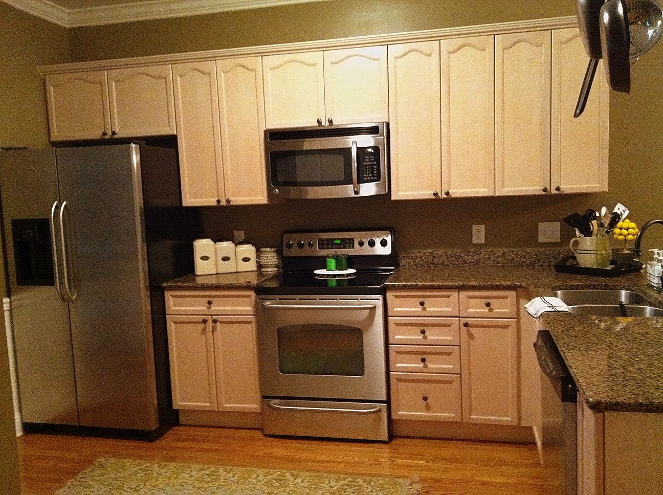 Kitchens With Pickled Oak Cabinets Drumroll All I Can Picture Here Is Clark Griswold Painting Kitchen Cabinets Oak Kitchen Cabinets Laminate Kitchen Cabinets