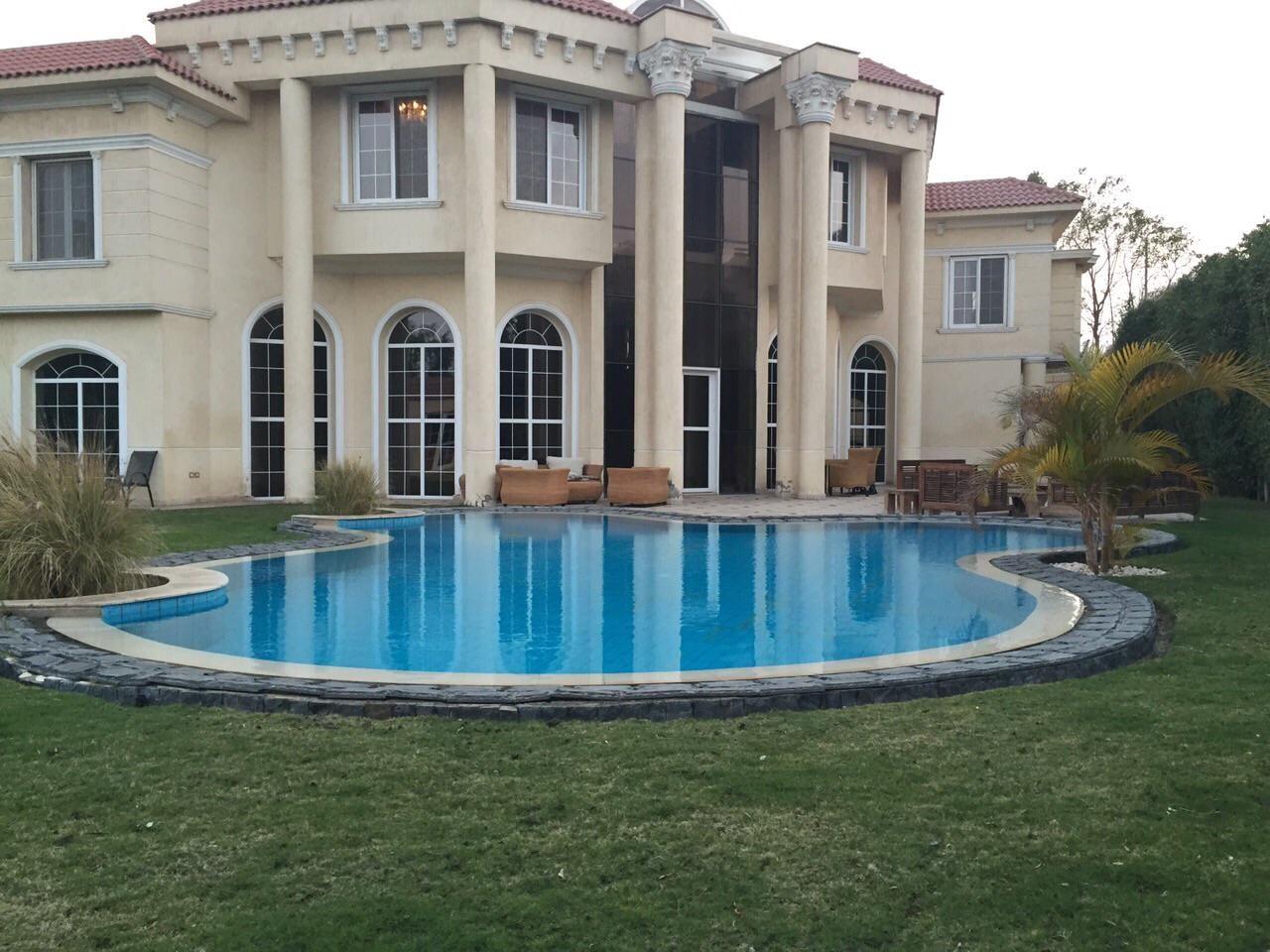 Villa for Rent in Royal hills October فيلا للايجار رويال
