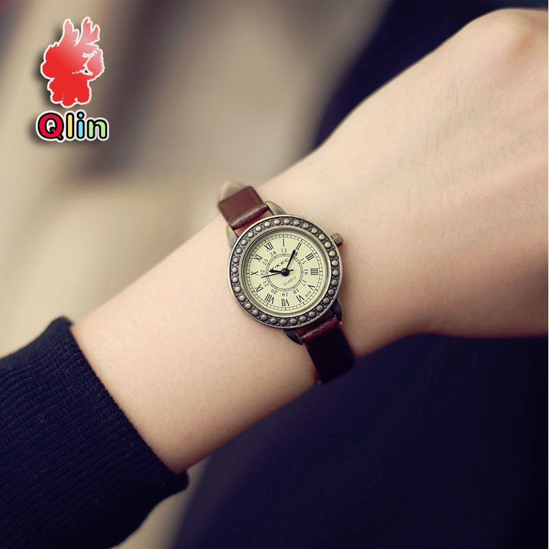 3460292b8ec Hot style Retro Fashion Simple Small Roman Numerals Dial the beautiful  campus girl Watches women white red black wrist watch
