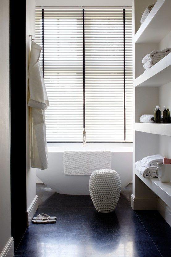 Horizontale jaloezieen een perfecte afwerking voor in de badkamer ...