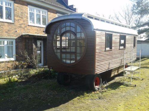 zu verkaufen diverse zirkuswagen bauwagen. Black Bedroom Furniture Sets. Home Design Ideas