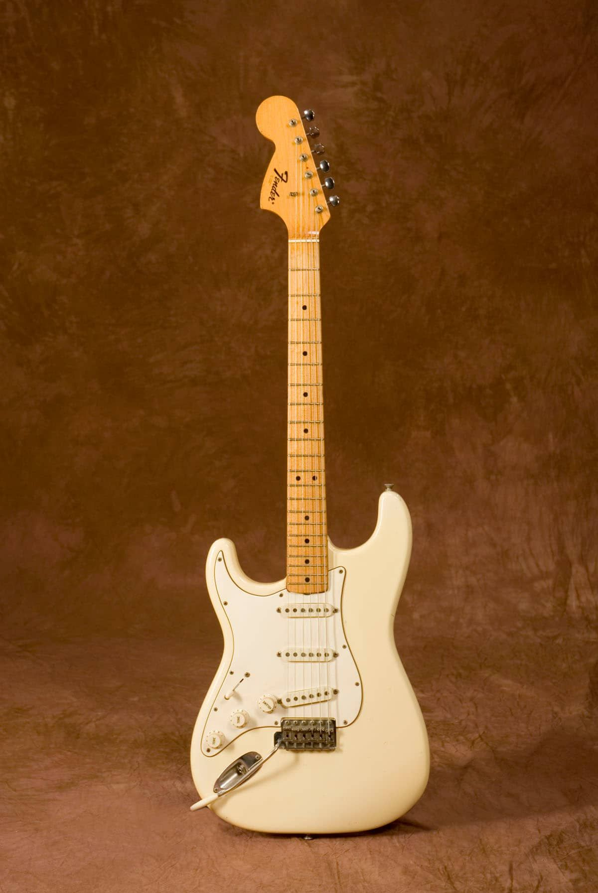 up for sale is jimi hendrix 39 s white left handed 1969 fender stratocaster with maple cap. Black Bedroom Furniture Sets. Home Design Ideas