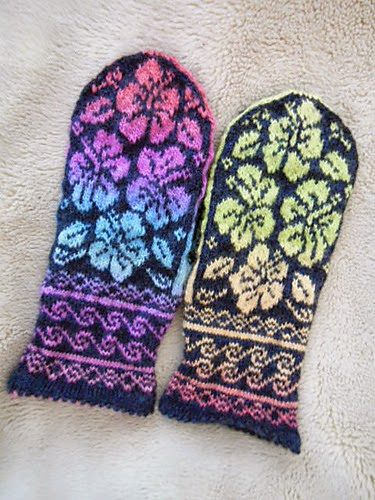 Ravelry: lacesockslupins\' Night & Day Hibiscus Mittens | Kindad ...
