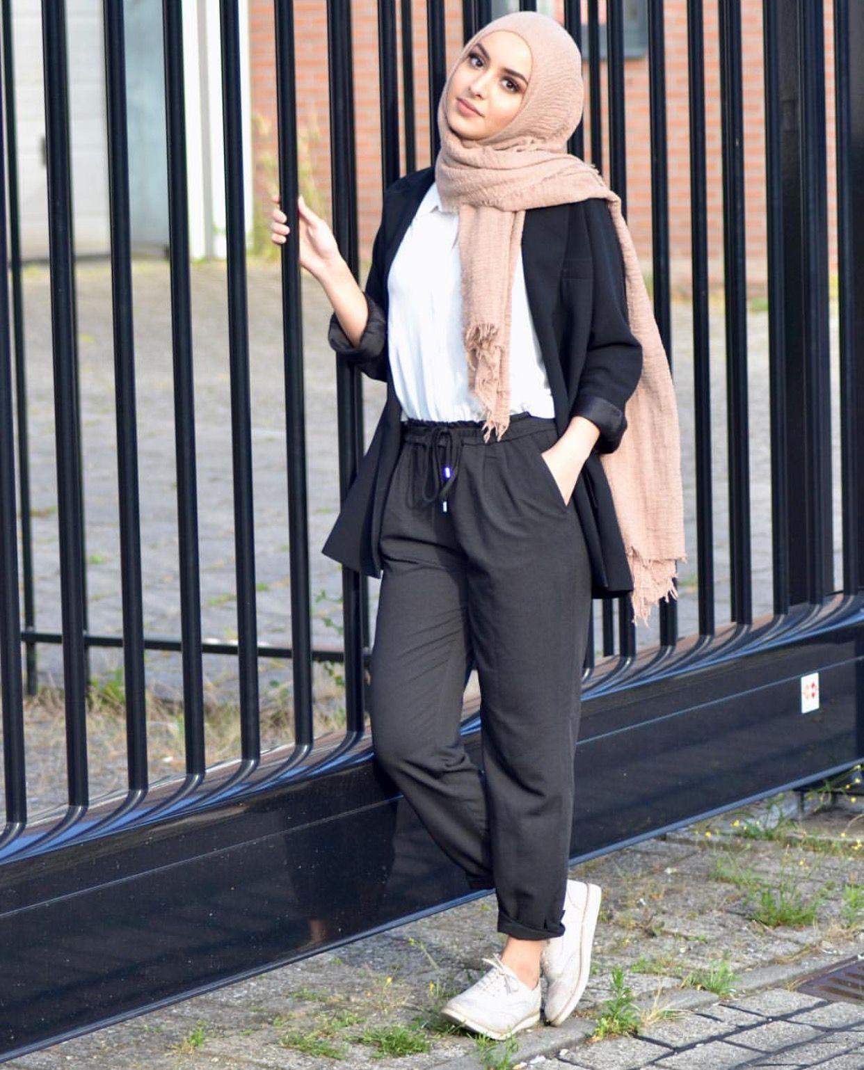 Pinterest: @adarkurdish  Inspirasi gaya, Gaya hijab, Model