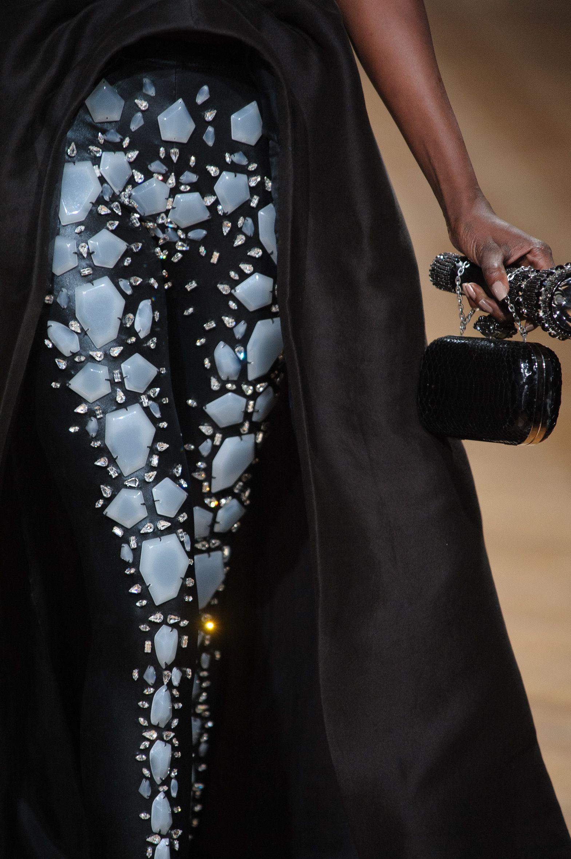 Fashion show couture ON AURA TOUT VU spring/summer 2014   #hautecouture #fashionweek #couturefashionshow #paris #luxe #summer2014 #lightandshadow #woman #fashion #broderies #yassensamouilov #liviastoianova #black #powerwoman #models #cristaux #style #moderncouture #clothes #uniquefashion #onauretoutvu #frenchfashion #allblack #legging #résine #jewelrydress #tulle #accessory #satinduchesse #shadowwoman #blackwithwhithdetails