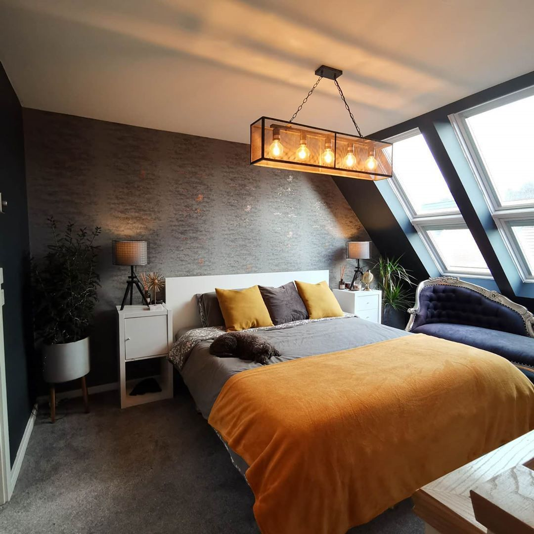 50 Cool Attic Bedroom Design Ideas You Would Absolutely Enjoy Sleeping In Attic Bedrooms With S Low Ceiling Bedroom Sloped Ceiling Bedroom Slanted Wall Bedroom
