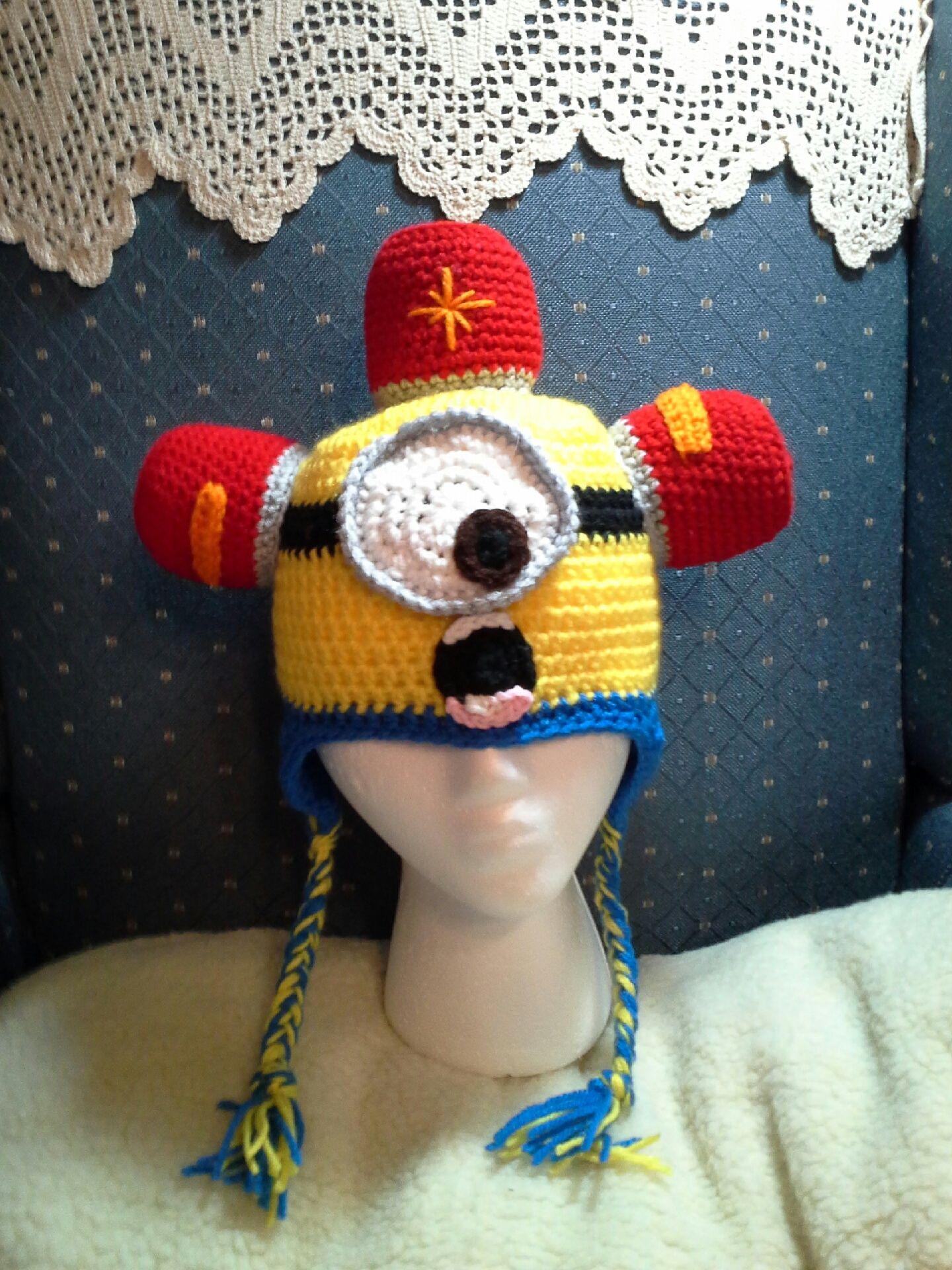 Minion rescue hat....BEDO BEDO BEDO | Crochet hats | Pinterest