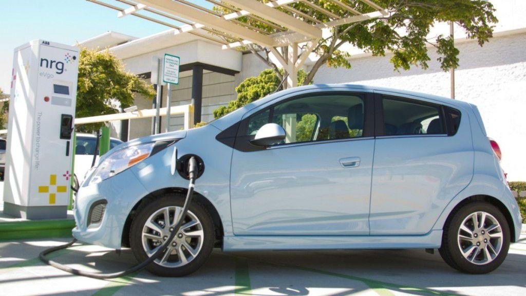 2016 Chevrolet Spark Ev Charging Chevrolet Spark Most Fuel Efficient Cars Fuel Efficient Cars