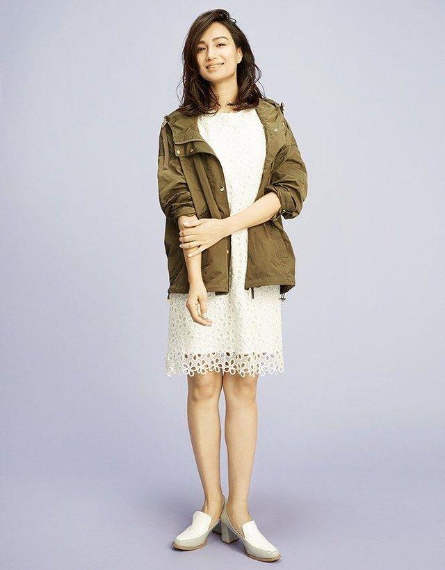 佐田真由美さんが着こなす!レースワンピースとカーキジャケット!上品なタイプのミセス系コーデ。スタイル・ファッションの参考に♪