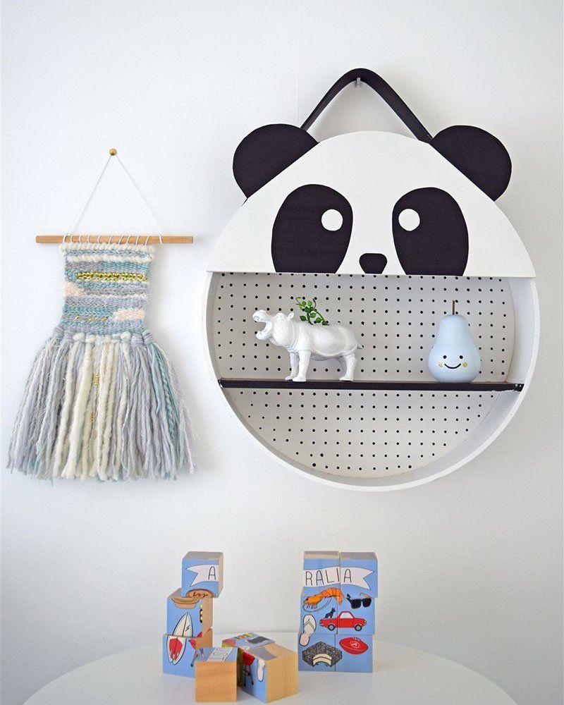 Un étagère panda  Chambre bébé panda, Décoration chambre bébé
