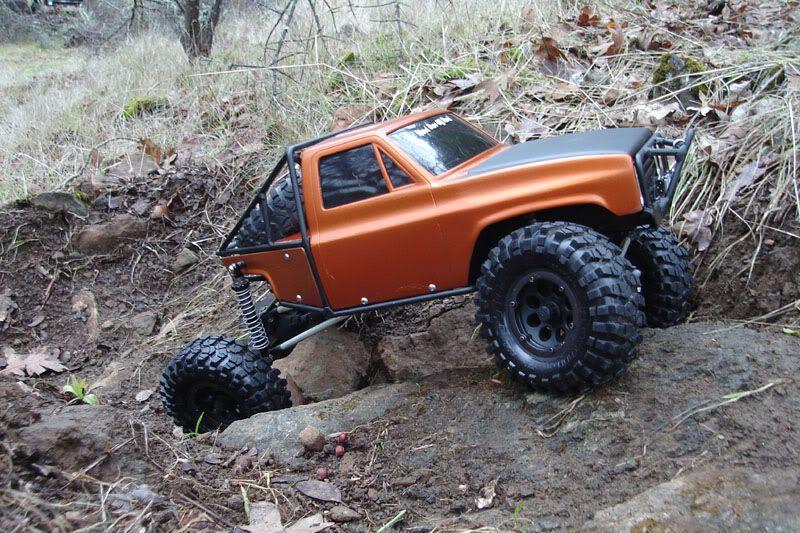 A sweet, custom, R/C trail rig showing it's flex-ability    R/C Rock