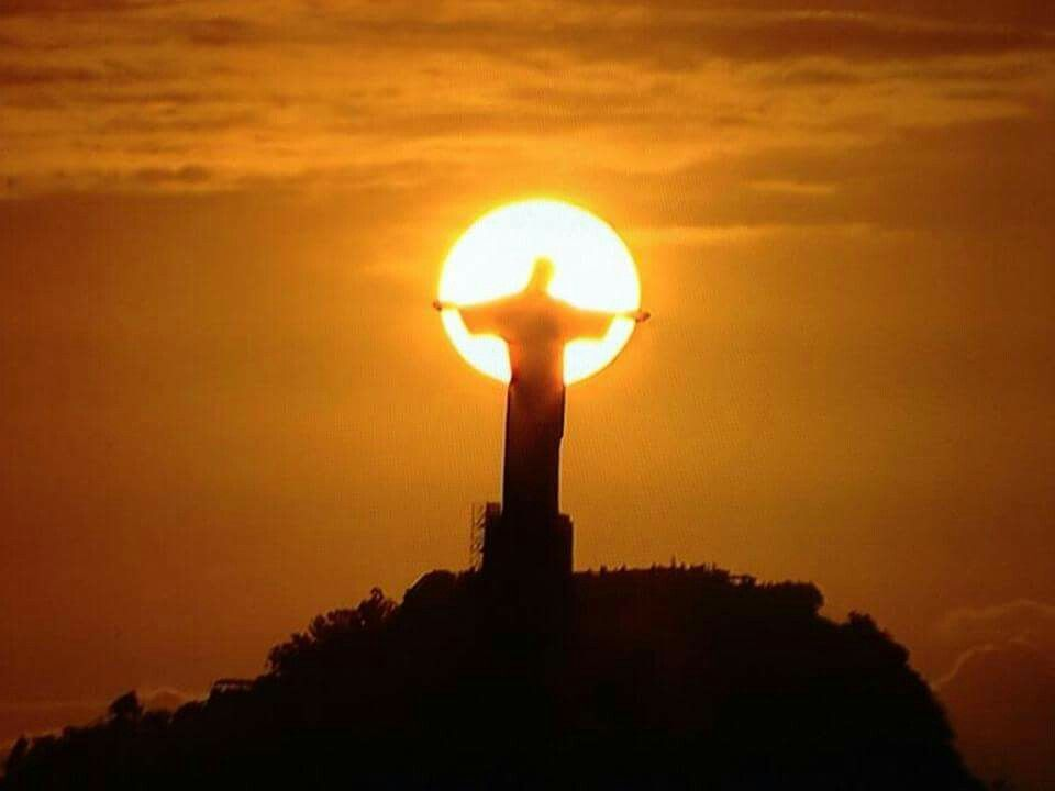 'Christ The Redeemer' watching over his people.