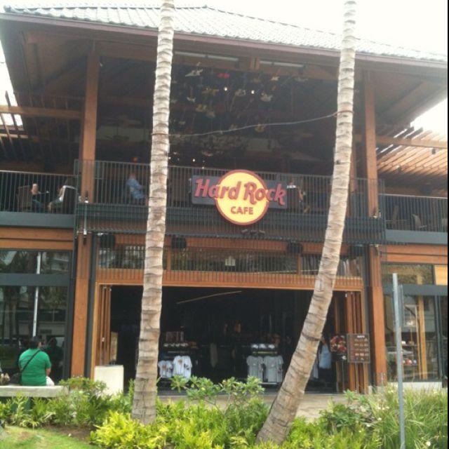 Hard Rock Cafe Honolulu.