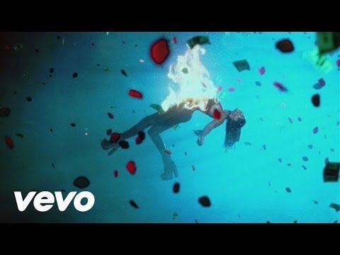 """The Weeknd revela o clipe de """"In The Night"""" #Clipe, #Disponível, #Modelo, #QUem, #Single, #Vídeo http://popzone.tv/2015/12/the-weeknd-revela-o-clipe-de-in-the-night.html"""