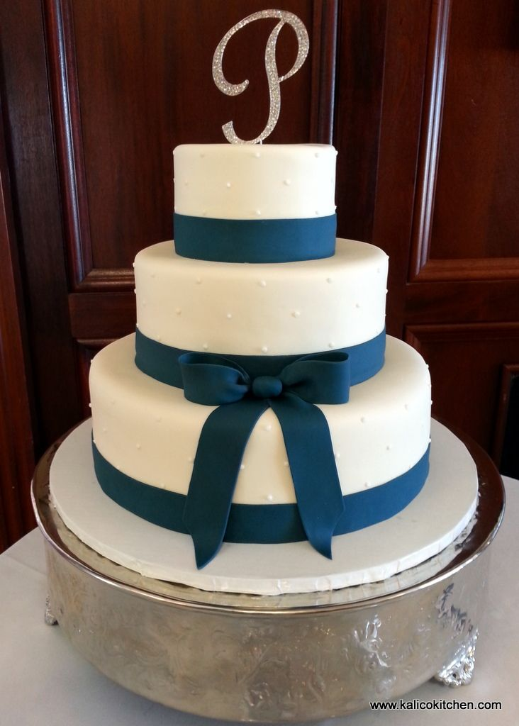 wedding cake ribbon and bow wedding cakes three tier fondant navy blue fondant 23678