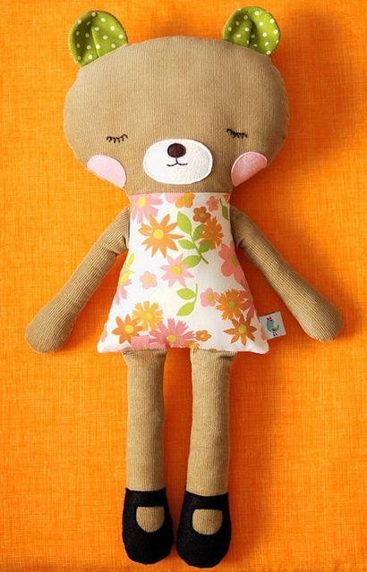 sweet sleepy bear   Pinterest   Spielzeug nähen, Spielzeug und ...