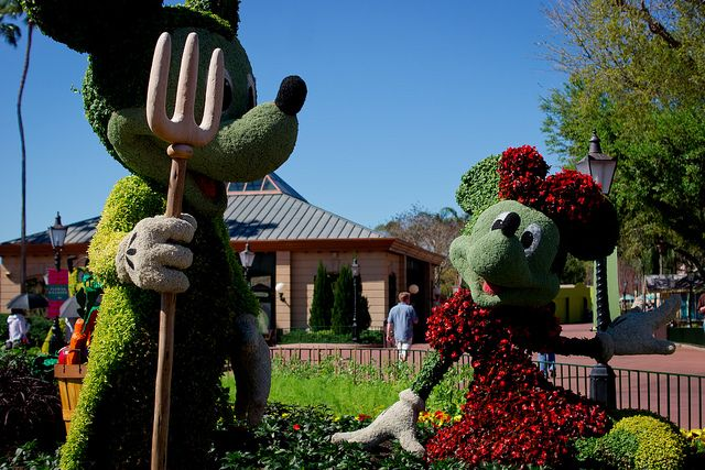 Mickey & Minnie Mouse Topiary