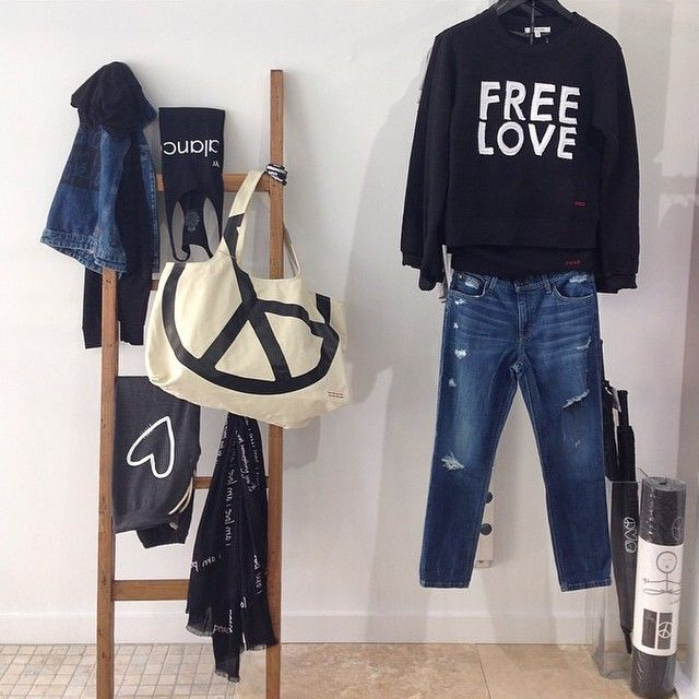 #peaceloveworld #shoppingevent #miami #love #freelove
