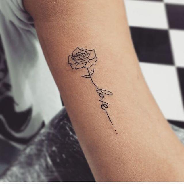 rose avec écriture | tatouages