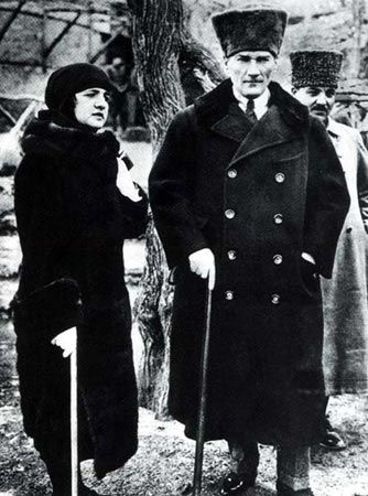 Mustafa Kemal Ataturk And His Wife Latife Usakizade During A Trip In 1923 Ataturk Made His Name In 1915 By Rushin History 20th Century Historical People Anzac