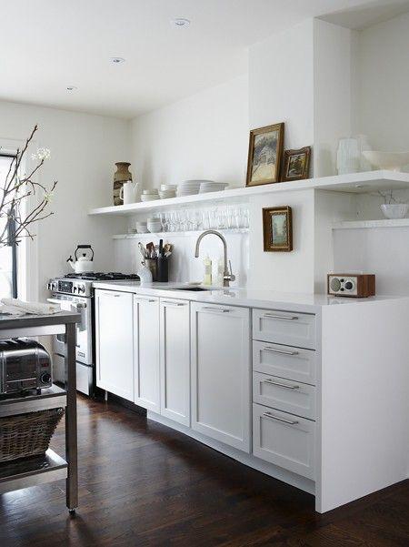 piso oscuro, estantes blancos | Home-to-be | Pinterest | Cocinas ...