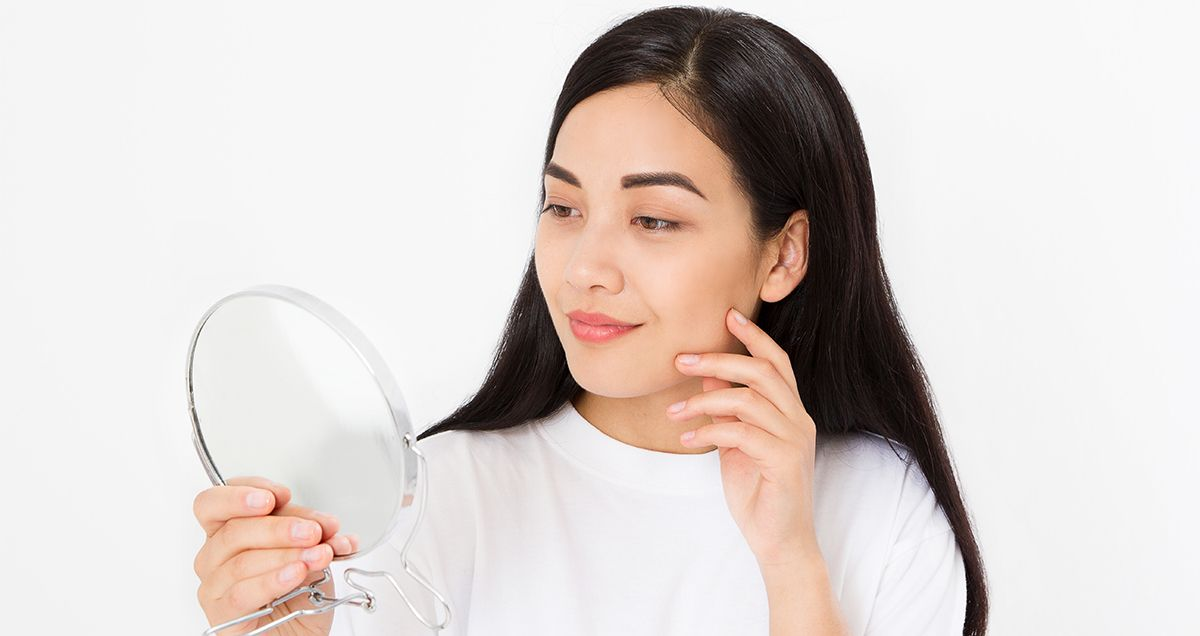 3 Skin Care Mistakes That Make Acne Worse According To Dr