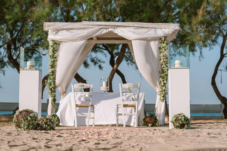Matrimonio Spiaggia Salento : Allestimento matrimonio in spiaggia. salento! mediterranea wedding
