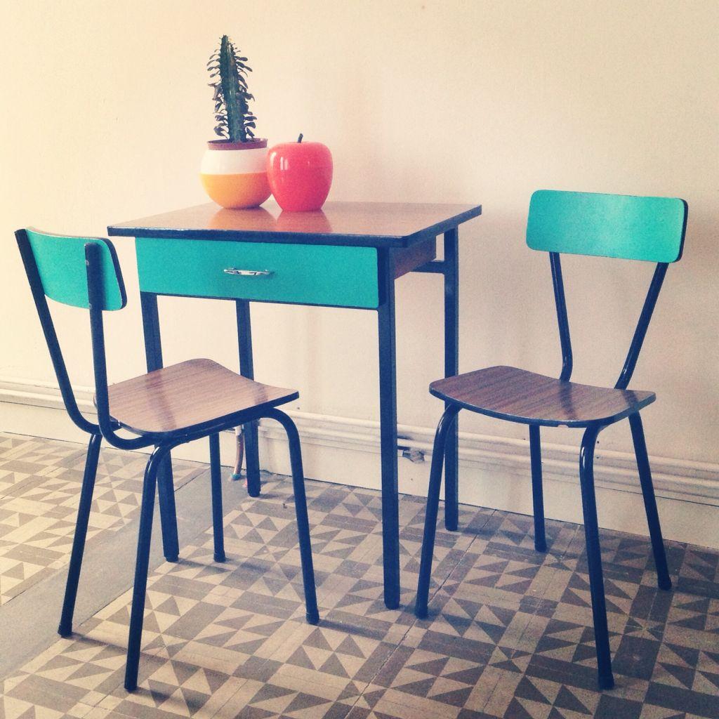Mesita y sillas de formica customizadas muebles customizados pinterest ideas para and showroom - Sillas formica ...