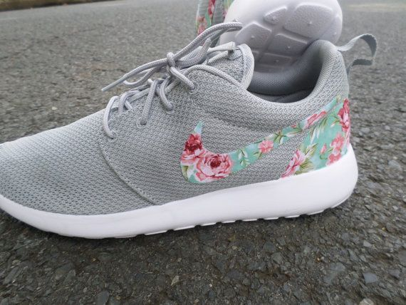 ece2e7c3934e8 Brand New Authentic Nike Roshe Run Custom Wolf Grey Floral which features a Floral  Swoosh design
