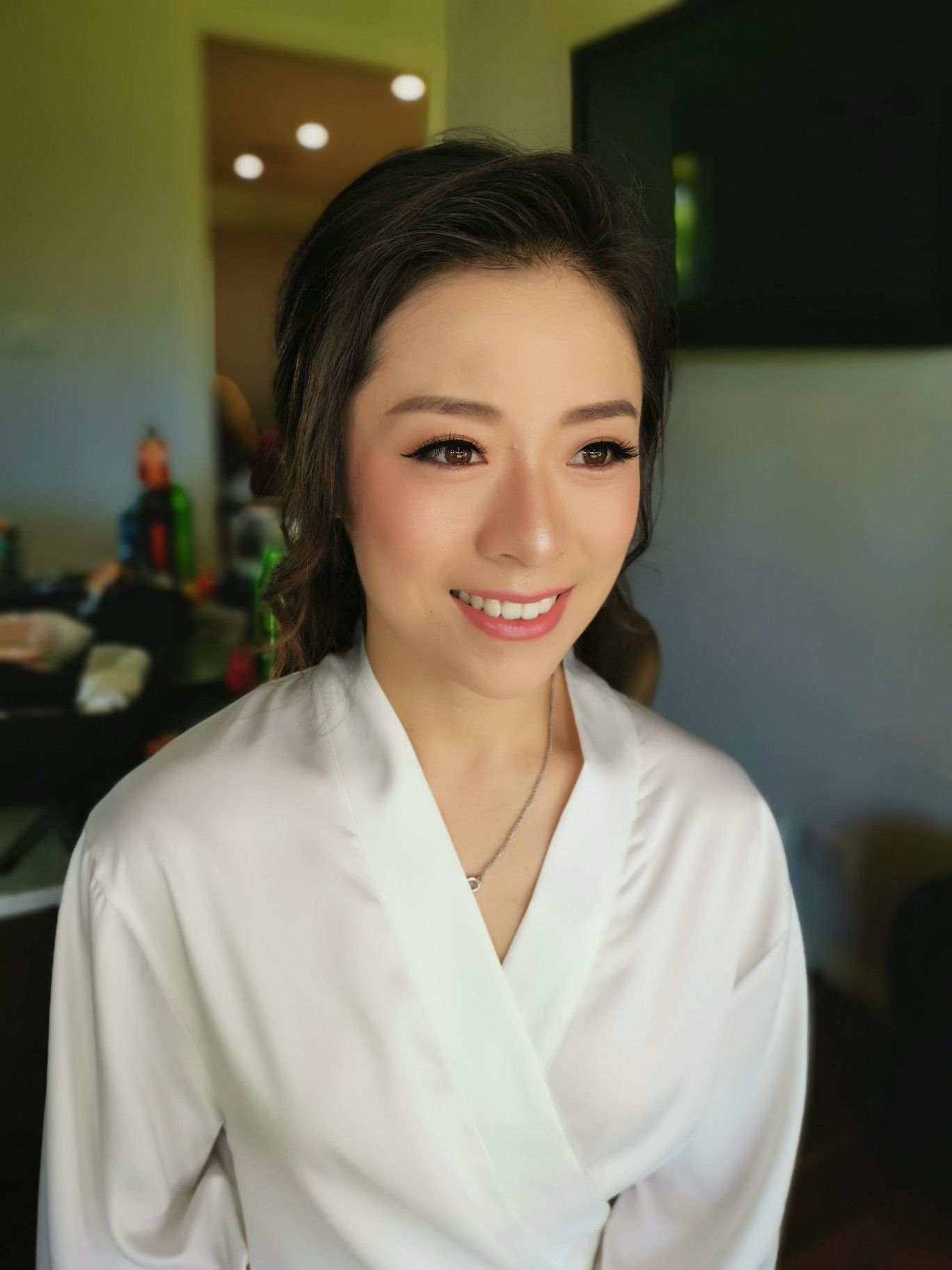 Amy chan is a sydney based asian wedding makeup artist