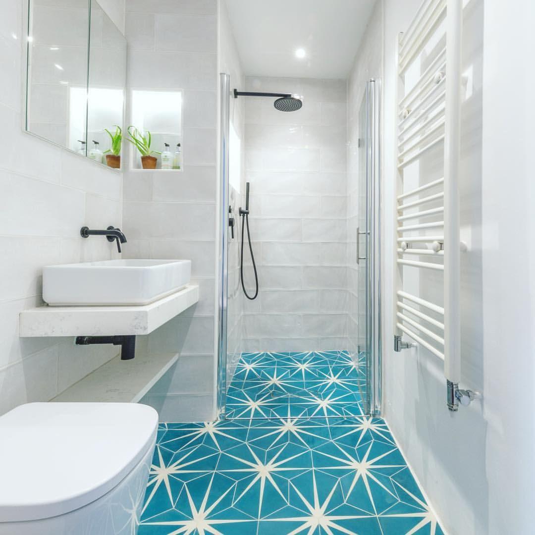 81 Likes 8 Comments Ruth Stolerman Design Ruthstolermandesign On Instagram Small Bathroom Mediterranean Bathroom Bathroom Design Small Classic Bathroom